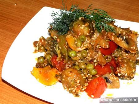 Запеченные свежие и замороженные овощи в духовке
